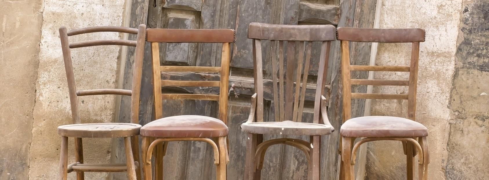 restaurator-antiquitaet-stuhl-Fotolia_slider